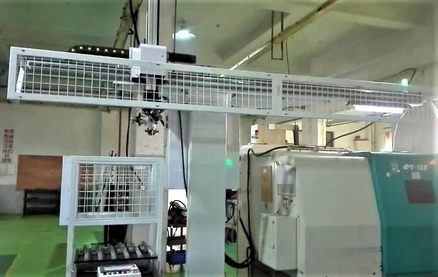 弯头/三通/管件车床加工自动上下料机械手案例图片1