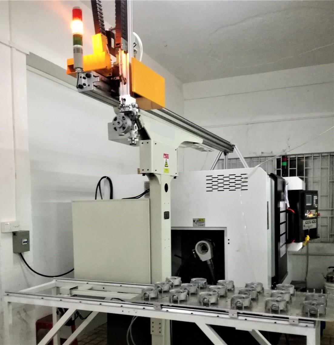 电机端盖CNC车床自动上下料机械手案例图片2