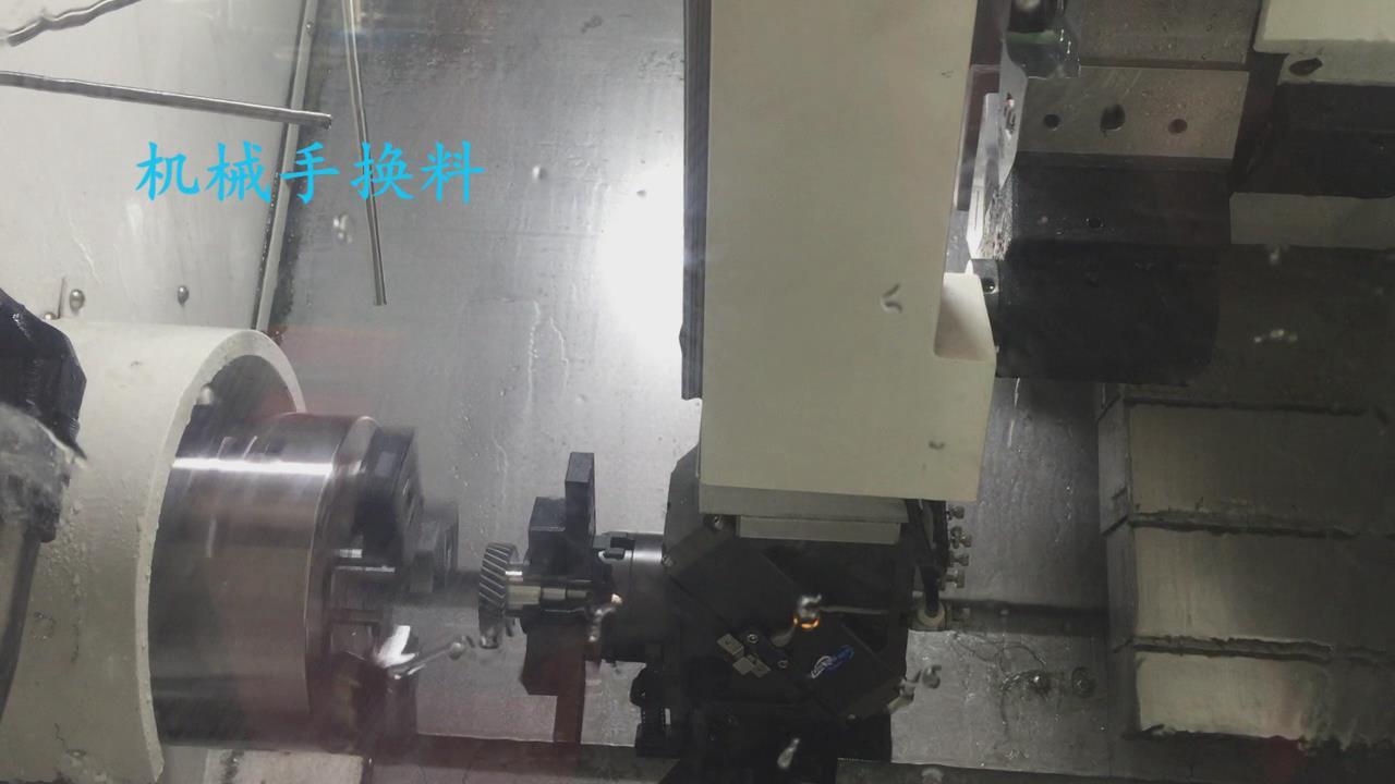 齿轮加工车床自动上下料机械手案例图片(机械手换料)