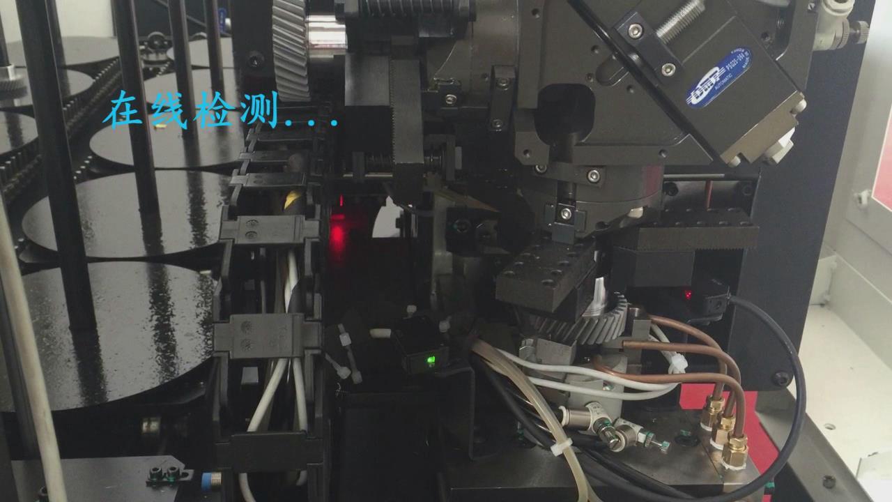 齿轮加工车床自动上下料机械手案例图片(在线检测)