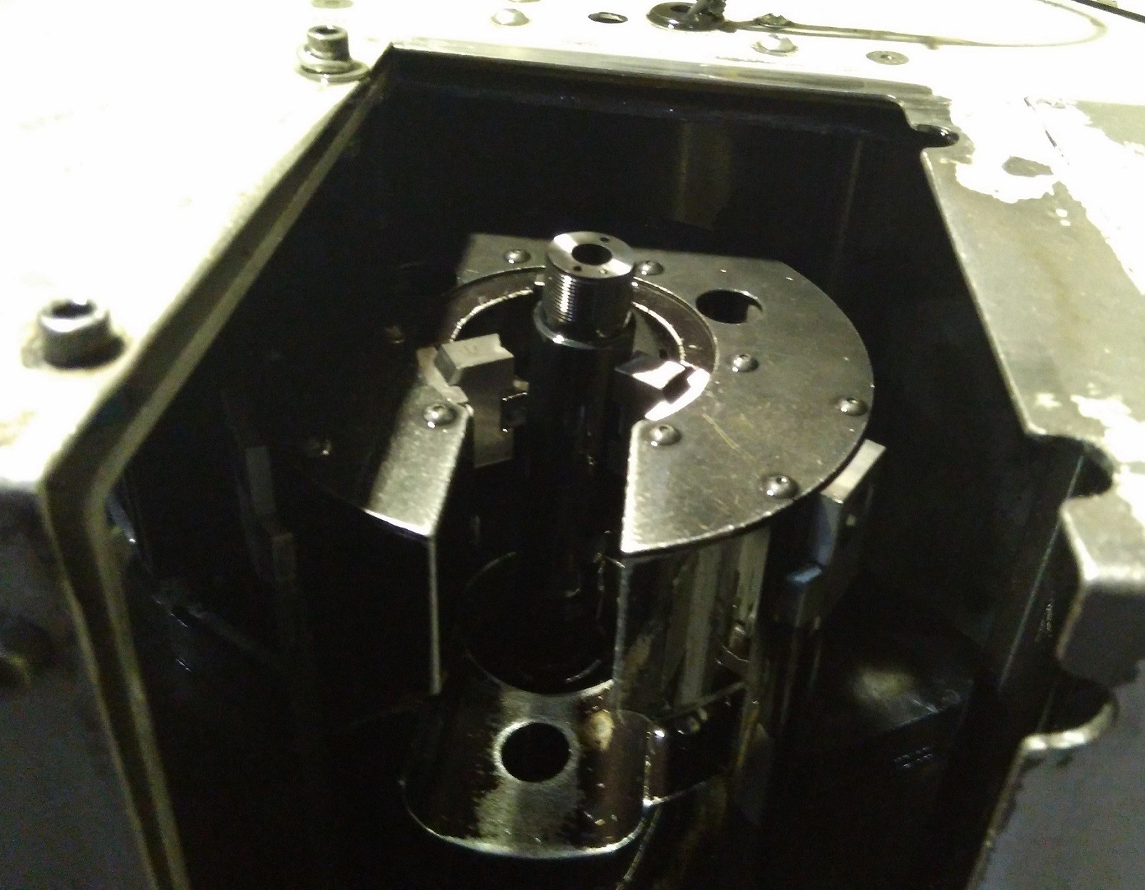 磨床上下料机器人案例图片