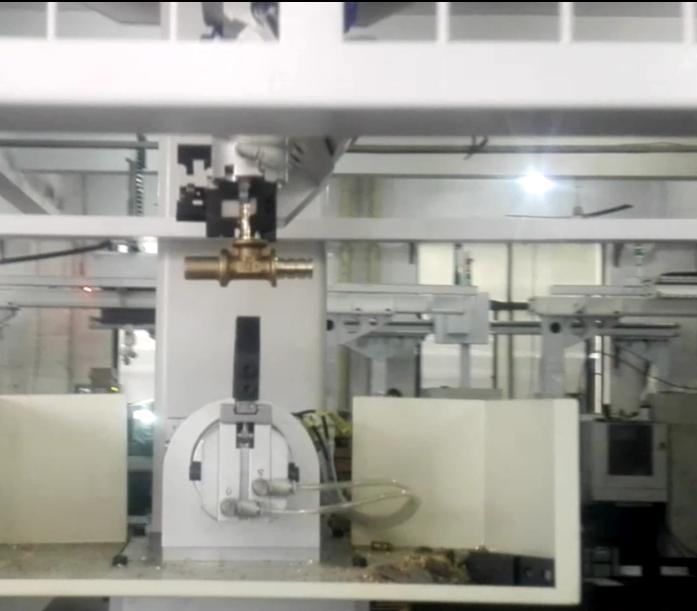 [自动化夹具案例分享]铜质管件流体阀门配件加工车床机械手  自动化生产线 自动化夹具 自动上下料 第5张