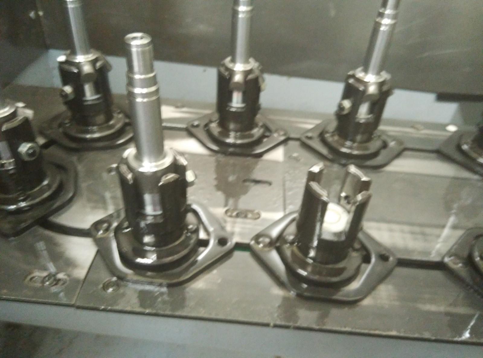 喷油嘴数控立车机械手案例图片4